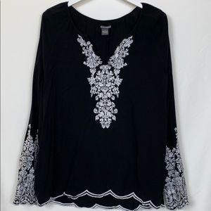 Chelsea & Theodore black tunic top size Lg.